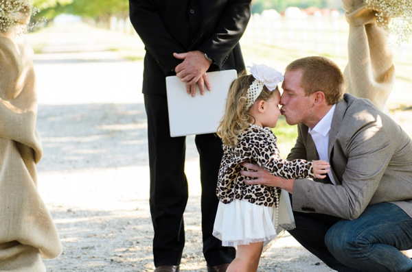 ST_Elizabeth_Henson_Photos_rustic_DIY_wedding_0018.jpg