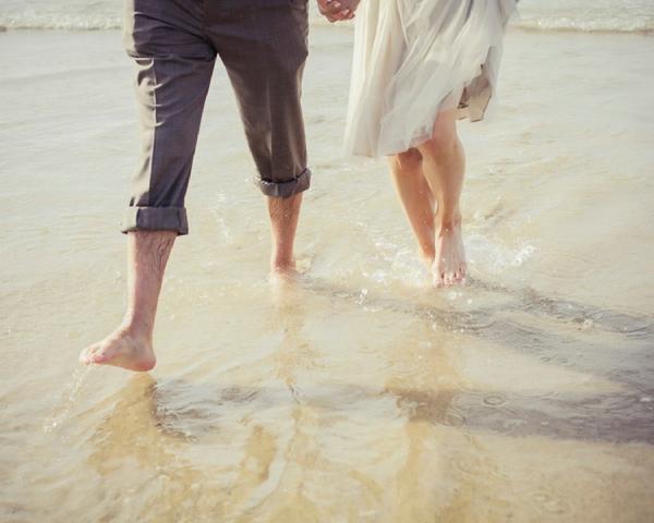 ST_uk-wedding-photography-charlene-morton-photography-beach-elopement_0018.jpg