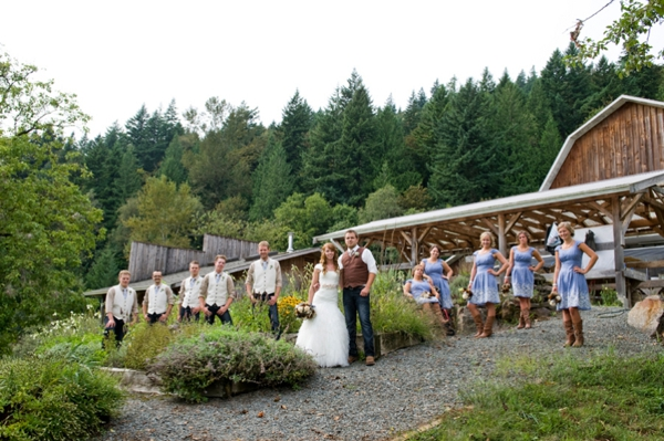 ST-Kristy-Klaassen_Photography-rustic-barn-wedding_0001.jpg
