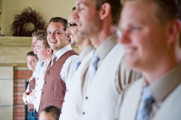 ST-Kristy-Klaassen_Photography-rustic-barn-wedding_0018.jpg