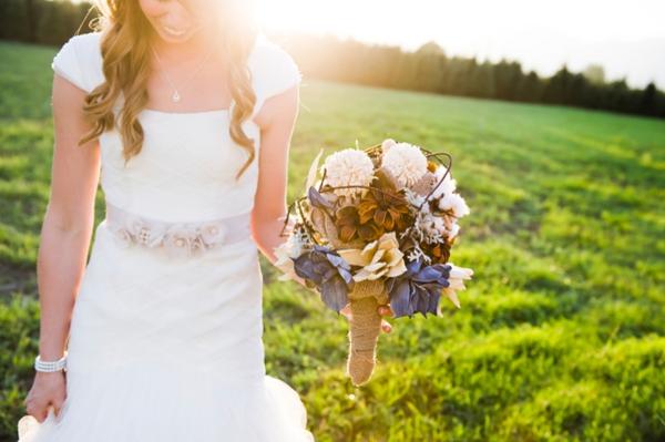 ST-Kristy-Klaassen_Photography-rustic-barn-wedding_0043.jpg