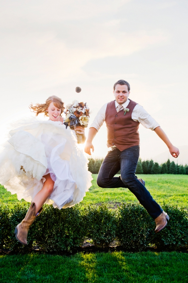 ST-Kristy-Klaassen_Photography-rustic-barn-wedding_0046.jpg