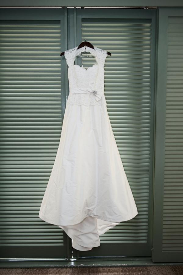 SomethingTurquoise-DIY-wedding-Rachel-Robertson-Photography_0003.jpg