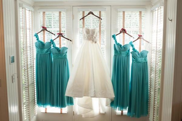 SomethingTurquoise_turquoise_vinyard_wedding_TamaraPizzeckPhotography_0002.jpg