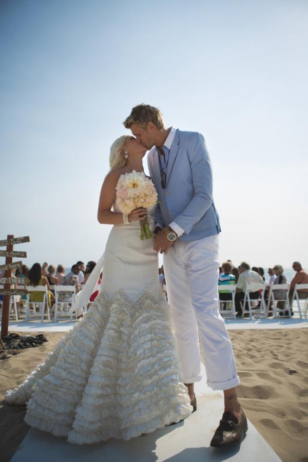 SomethingTurquoise-DIY-beach-wedding-Tony-Gambino-Photography_0001.jpg