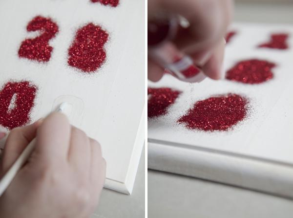 SomethingTurquoise-DIY-glitter-wedding-date-sign_0012