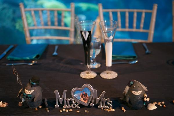 SomethingTurquoise_DIY_aquarium_wedding_Carrie_Wildes_Photography_0033.jpg