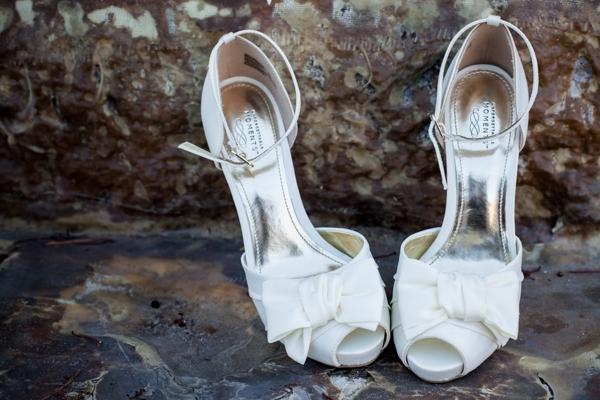 SomethingTurquoise_DIY_vineyard_wedding_Evan_Chung_Photography_0002.jpg