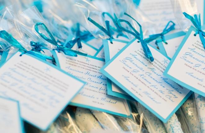 White chocolate dipped pretzel wedding favors