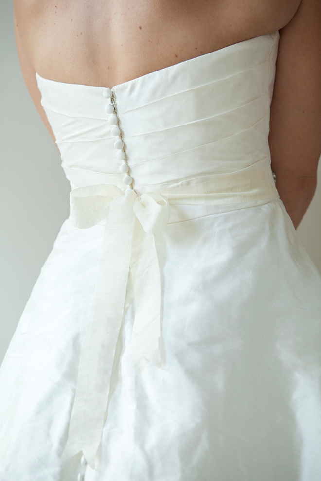 Learn how to make this chic diy rhinestone bridal sash diy rhinestone bridal sash solutioingenieria Images