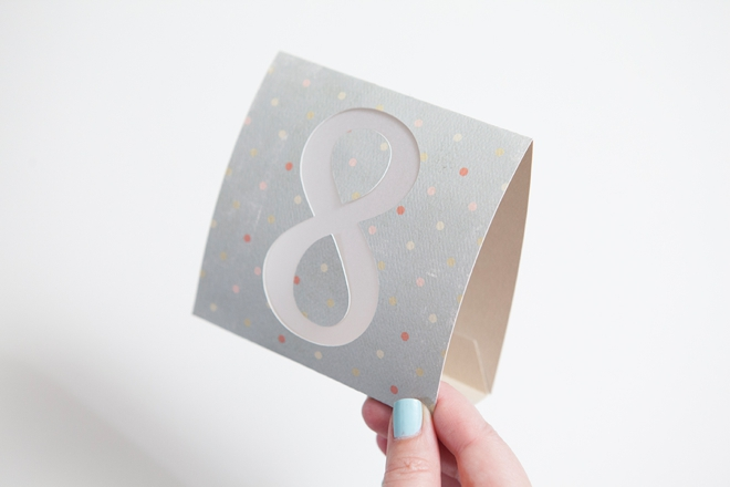 DIY Wedding -- How to make simple table numbers with the Cricut Explore