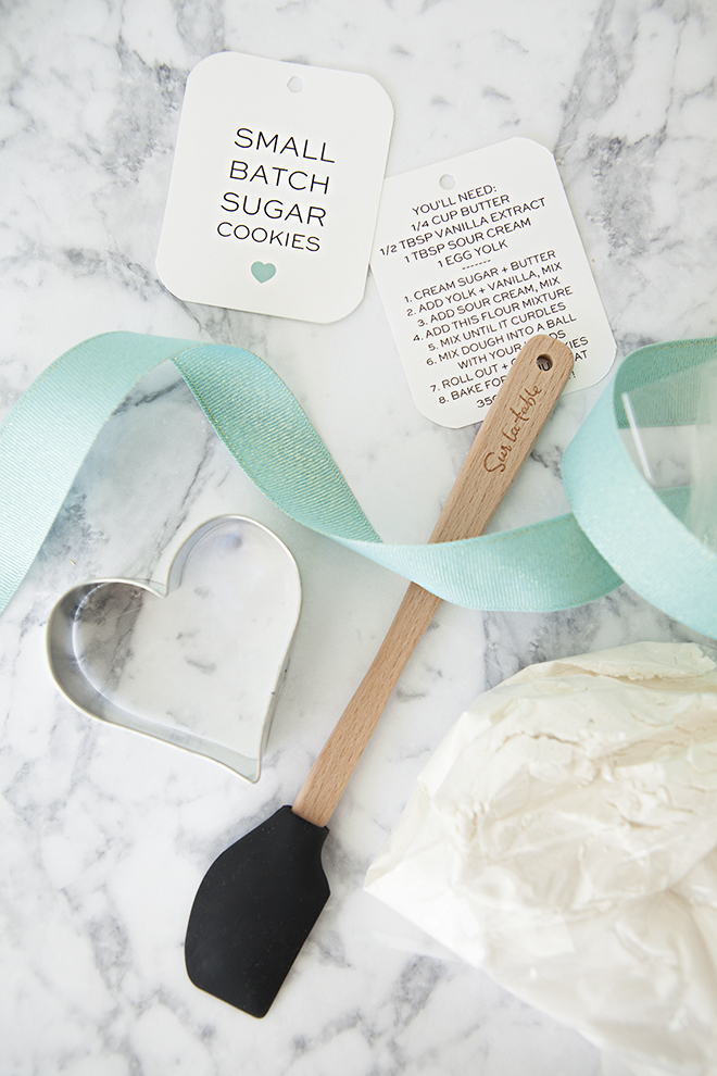 DIY - Small Batch Sugar Cookie Mix Favor with mini-spatula and heart cookie cutter, plus free tags!