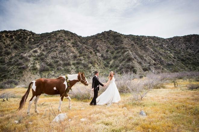 DIY-desert-elopement-wedding-inspiration-Larissa-Bahr-Photography_0042