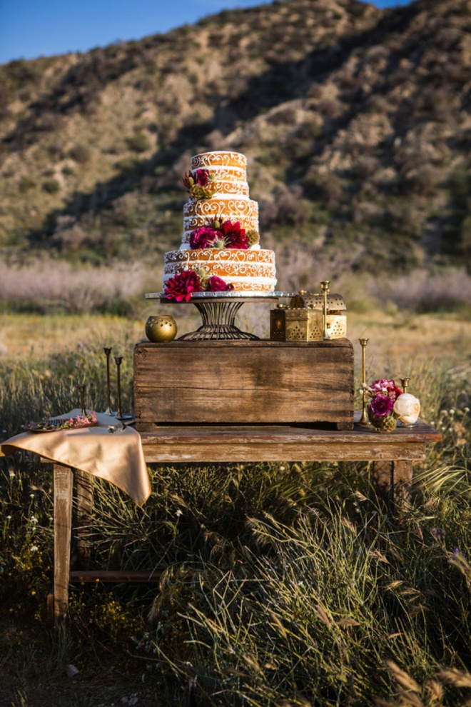 Naked wedding cake with frosting details