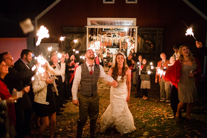 How gorgeous is this sparkler send off?! Love!