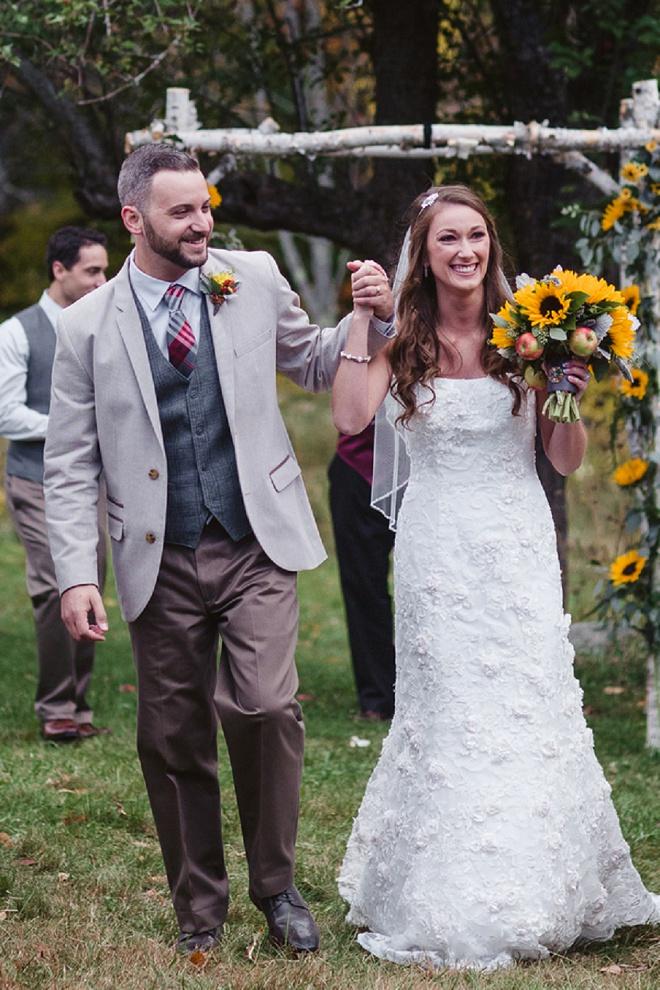 Darling Rustic DIY Wedding Ceremony!