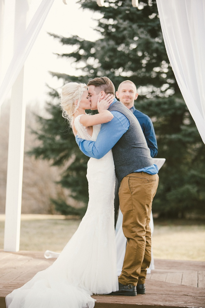 Love this first kiss! Swoon!
