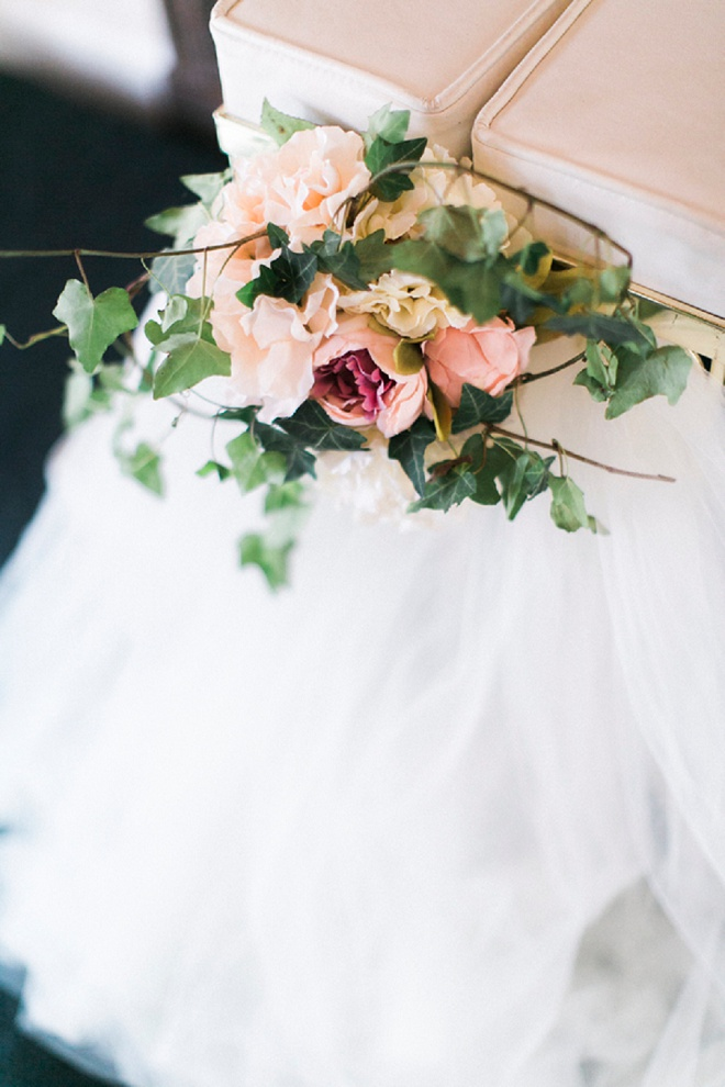 We love this darling details of this classic style DIY wedding!