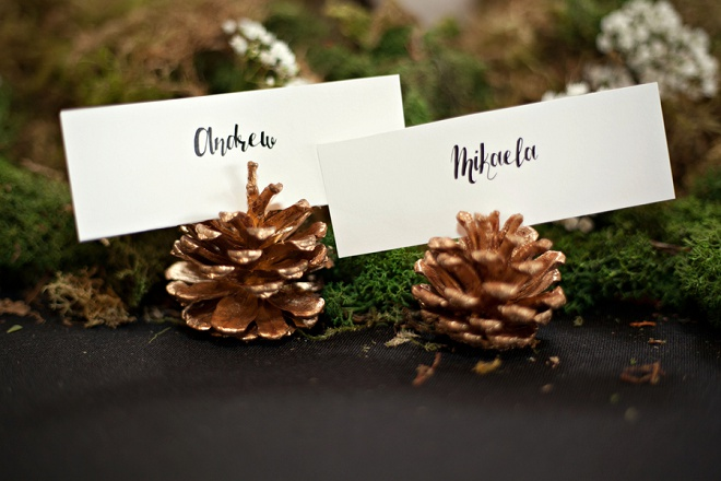Loving these darling pinecone place card holders!