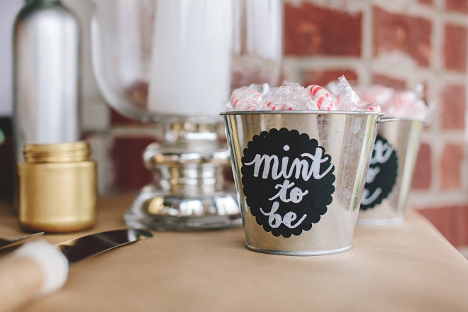 Mint to be, little mints for your guests is a good idea!
