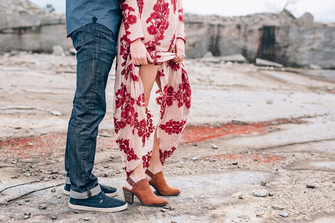We LOVE this gorgeous outdoor Mt. Arbia engagement!