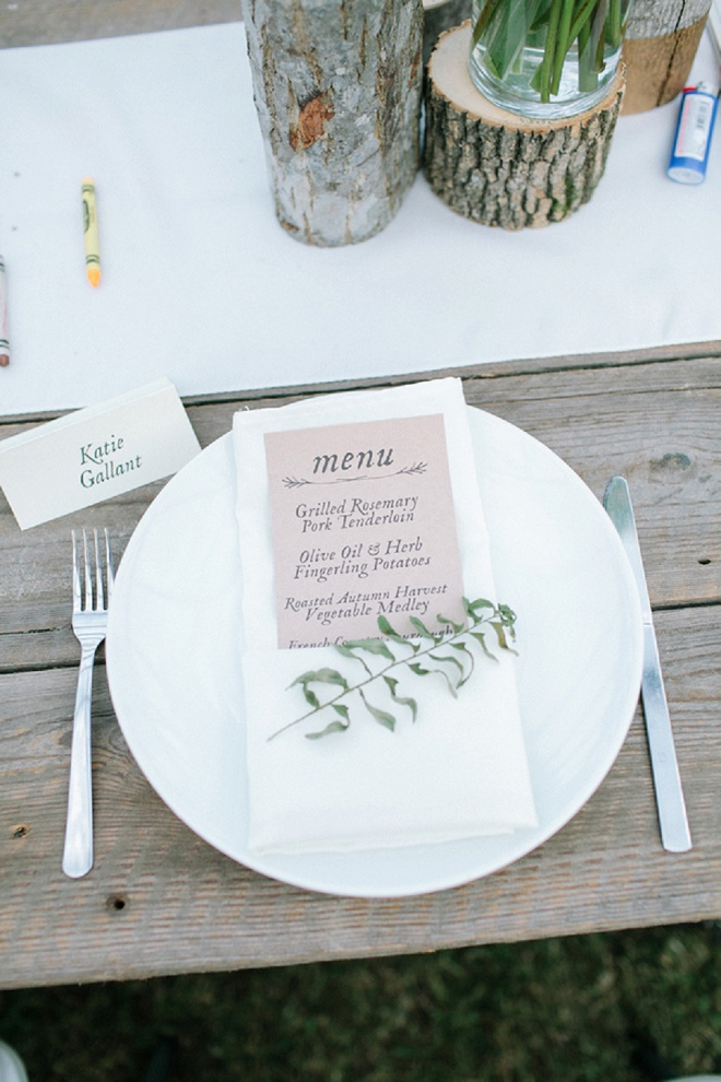Swooning over these gorgeous menu cards and placesettings!
