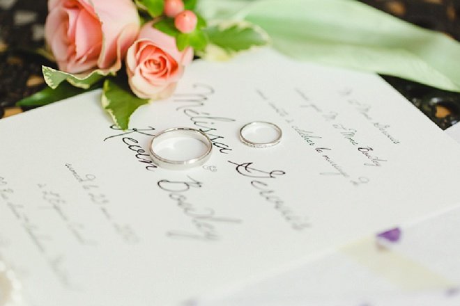 How darling is this gorgeous ring shot?! Loving it!