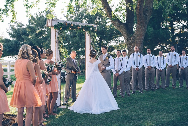 We're swooning over this gorgeous outdoor barn wedding ceremony!