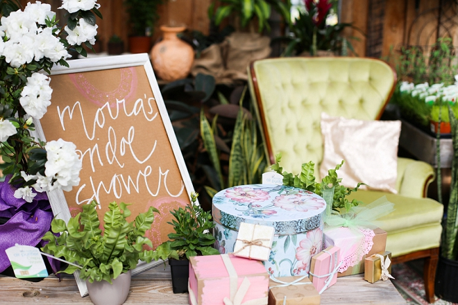 We love this gorgeous garden bridal shower and present set-up!