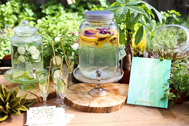 How gorgeous is this drink bar at this garden bridal shower?! Swoon!