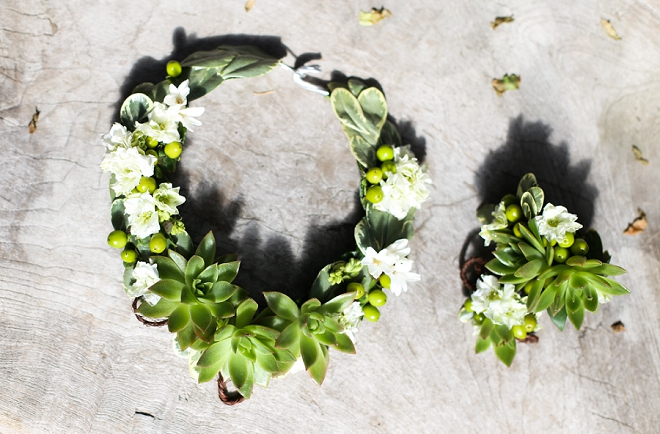 How gorgeous is this floral jewelry at this gorgeous styled bridal shoot?! We're in love!