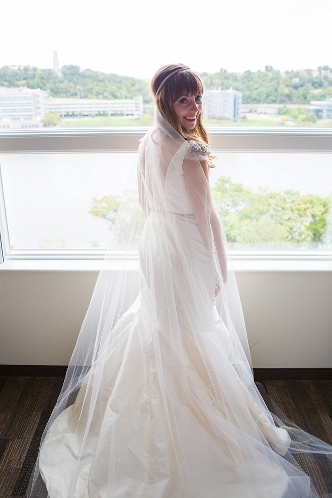 We're loving this sweet Bride's wedding style!