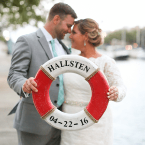 How darling is this gorgeous Tampa wedding?! We're in LOVE!