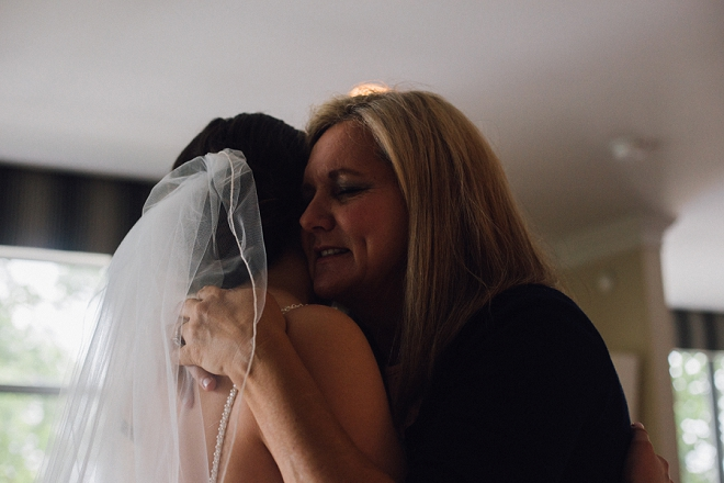 Sweet snap of the Bride and her mom before her first look!