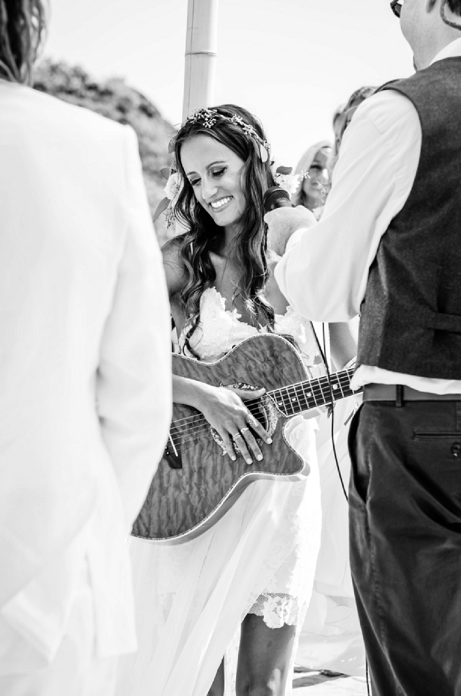 How sweet! The Bride played her Husband-to-be a quick song during the ceremony. Swoon!