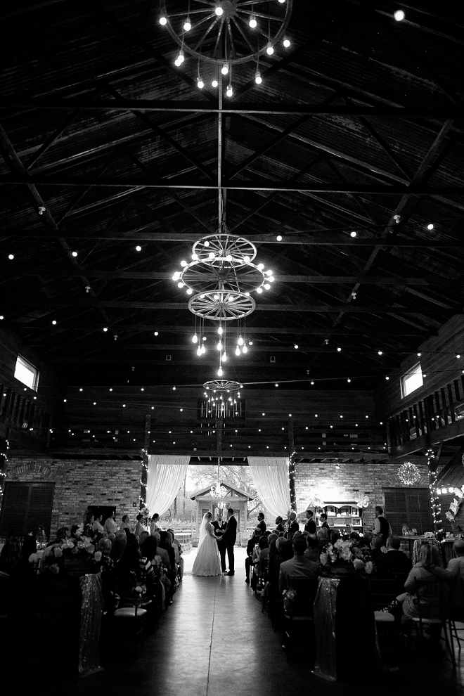 We are in LOVE with this stunning barn ceremony!