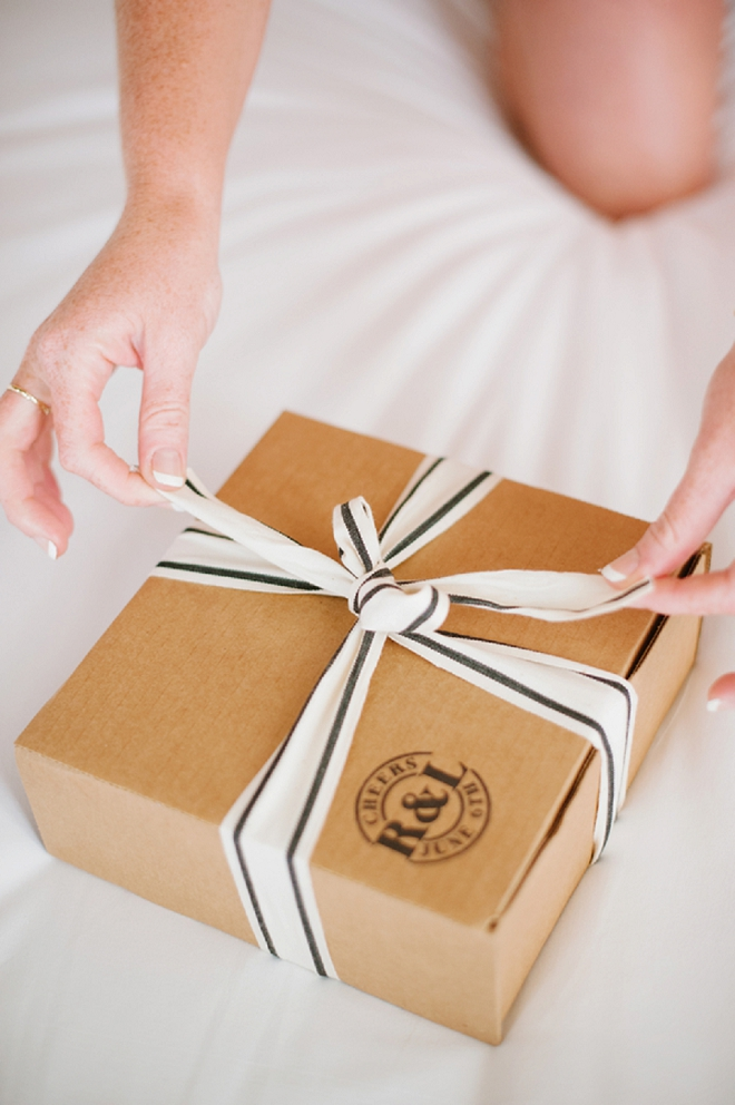 How stunning are these care packages the Bride DIY'd?! LOVE!