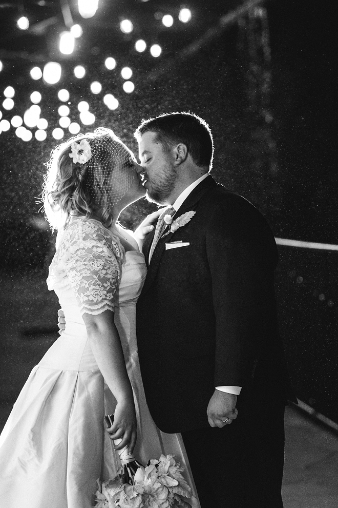 Loving this sweet snap of the new Mr. and Mrs!