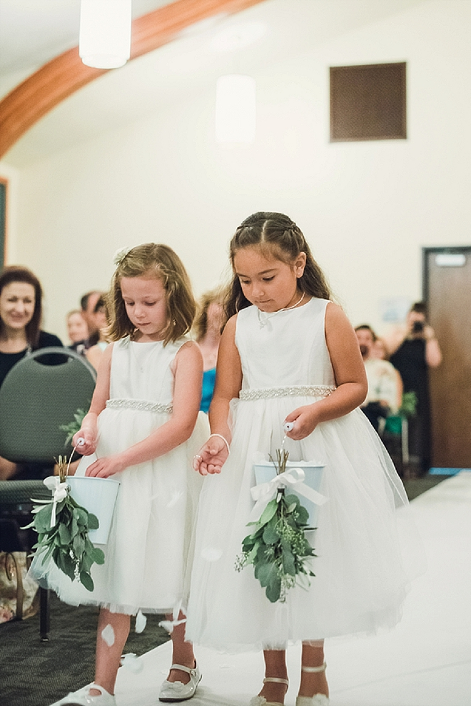 Look at how cute these flower girls are?! Adorable!