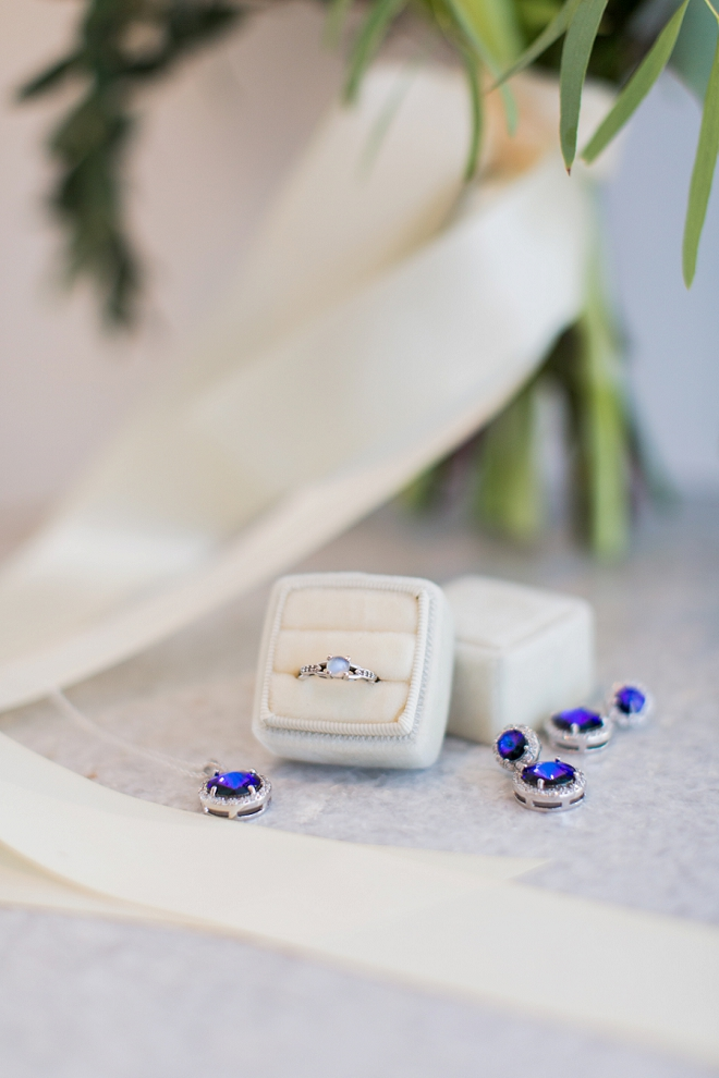 In LOVE with the sapphire jewelry at this styled wedding!