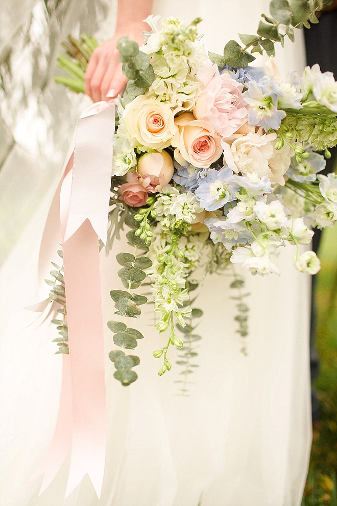How stunning is this Bride and her amazing bouquet?! LOVE!