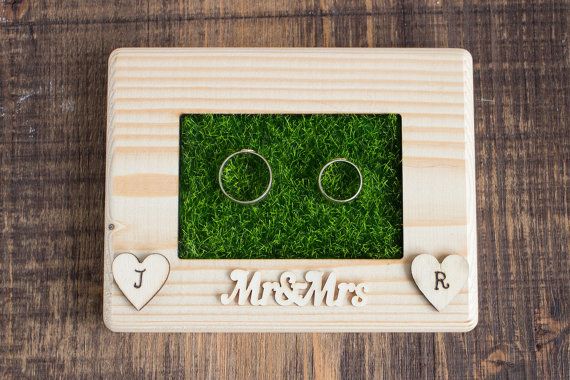 We love this fun and unique his and her's ring holder!