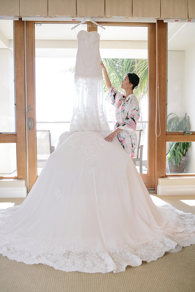 How stunning is this snap of the Bride's dress? Swoon!