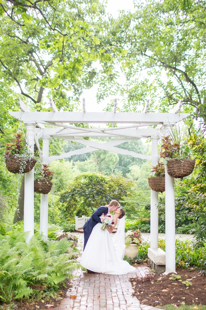 We are swooning over this super sweet couple!