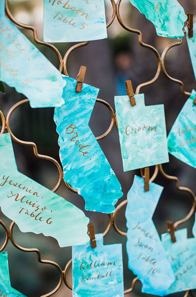 State shaped escort cards make a unique statement.