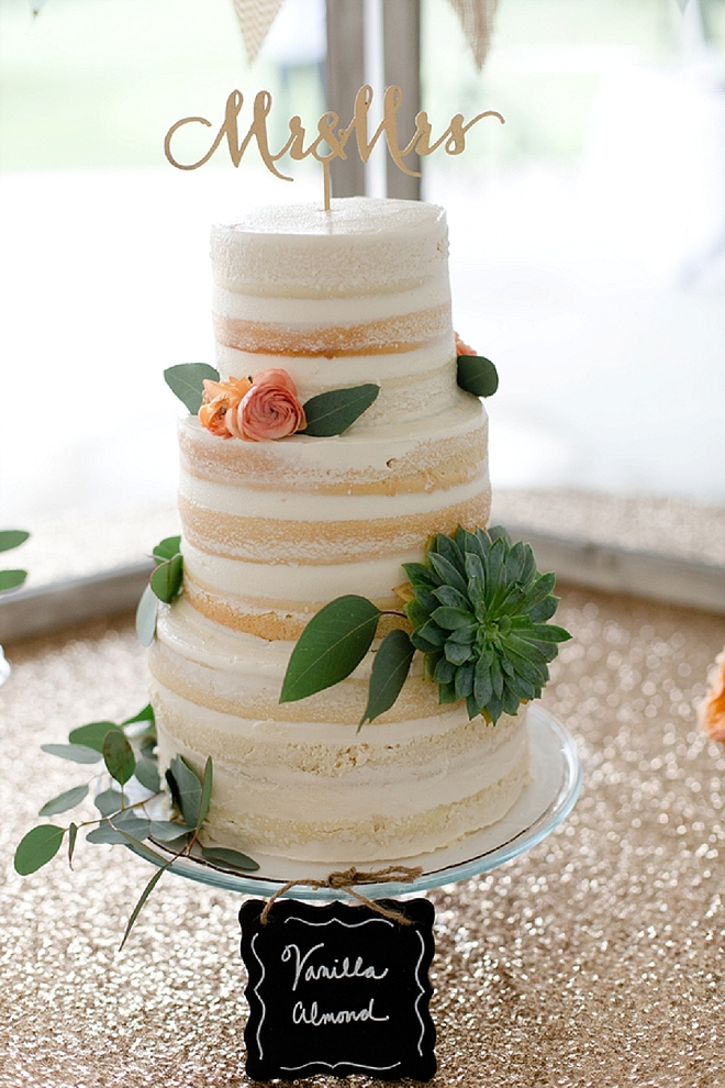 We love the styling + cake topper on this stunner of a cake!