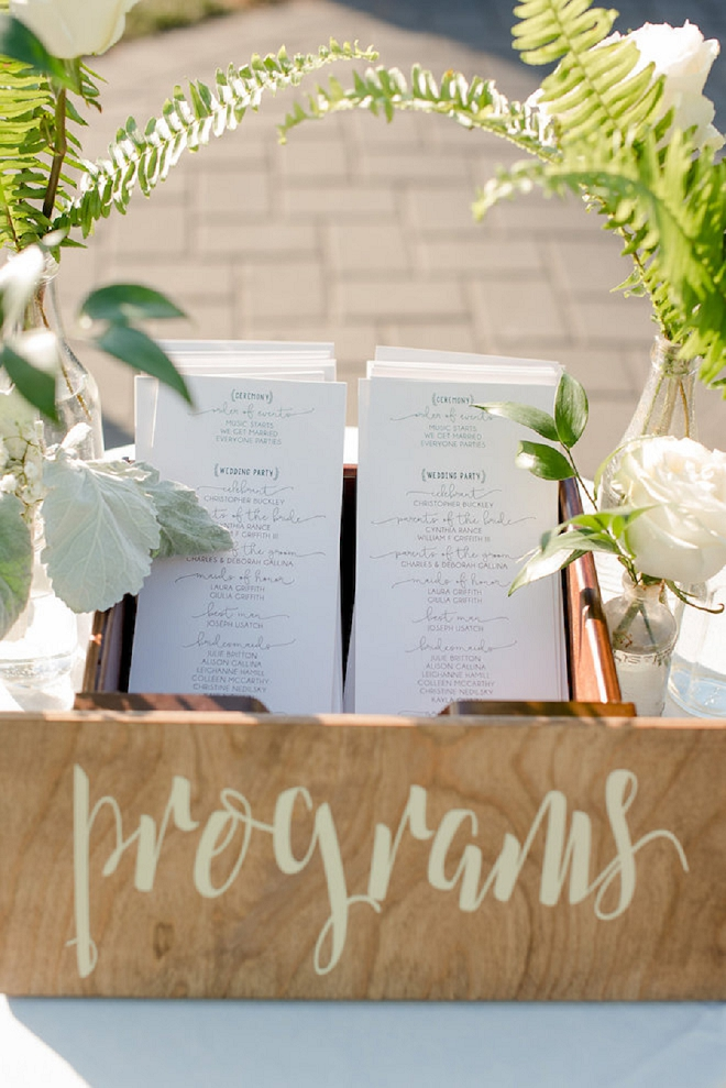 We are in love with this couple's wooden decor and ceremony programs box!