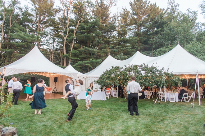 We're in LOVE with this couple's backyard Maine reception!