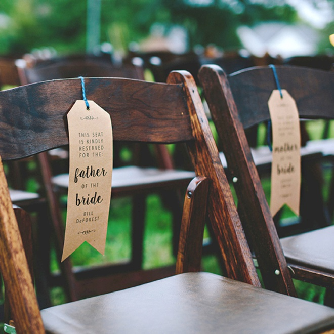 Sooo cute! DIY Wedding Ceremony Reserved signs. Free printable! #freebie