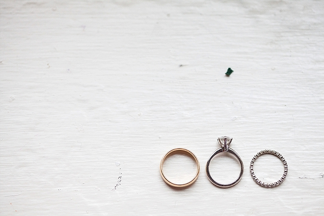 We're obsessing over this super minimalist ring shot - so gorgeous!